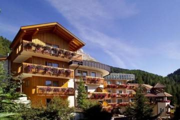 Strutture ricettive (hotel, villaggi) in Legno: Hotel Christal Obbereggen Sudtirolhaus
