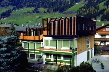 Sopraelevazioni in Legno: Sopraelevazione- San Candido Sudtirolhaus