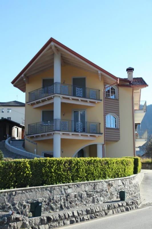 Casa in legno modello casa in muratura con tetto e solai for Casa legno vs muratura
