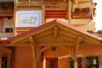 Strutture ricettive (hotel, villaggi) in Legno: Hotel Job
