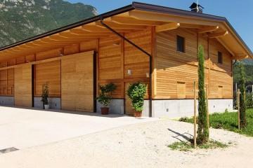 Strutture ricettive (hotel, villaggi) in Legno: Magazzino agricolo Mattarello Nordhaus