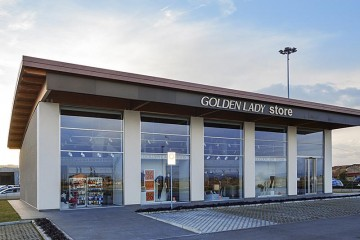 Strutture ricettive (hotel, villaggi) in Legno: Golden Lady Store - Faenza Nordhaus