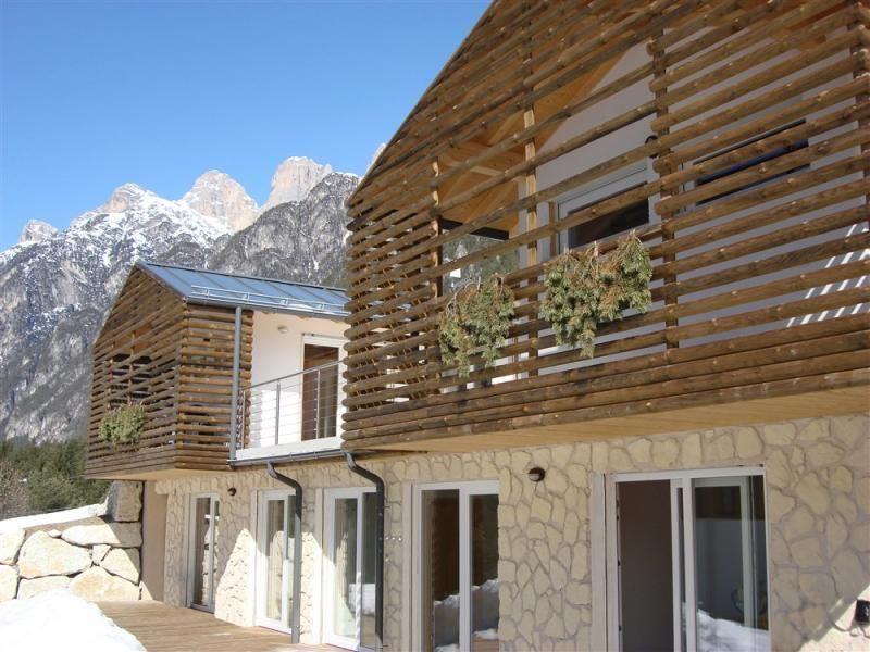 Casa in legno modello auronzo di raro haus for Casa in legno tradizionale