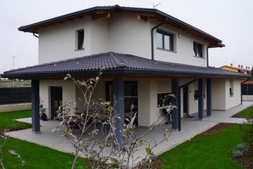Realizzazione Casa in Legno Caravaggio di Raro Haus