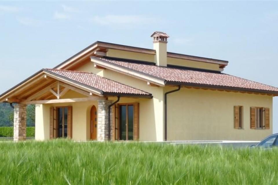 Casa in Legno in stile Classico: Gavardo
