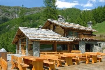 Realizzazione Casa in Legno Valtournenche di Raro Haus