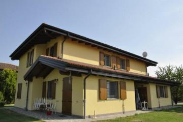 Case in Legno e Villette in Legno: Casa Bifamiliare - Baricella Vibro-Bloc
