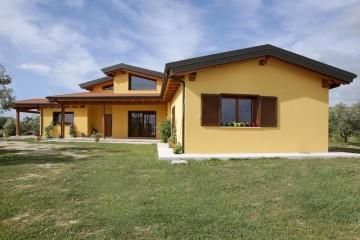 Realizzazione Casa in Legno Fara in Sabina di Gruppo Forest