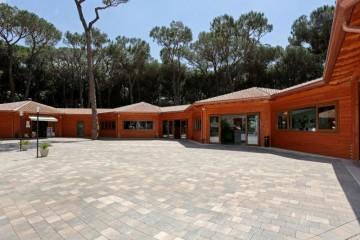 Strutture ricettive (hotel, villaggi) in Legno: Isola Verde Camping Gruppo Forest