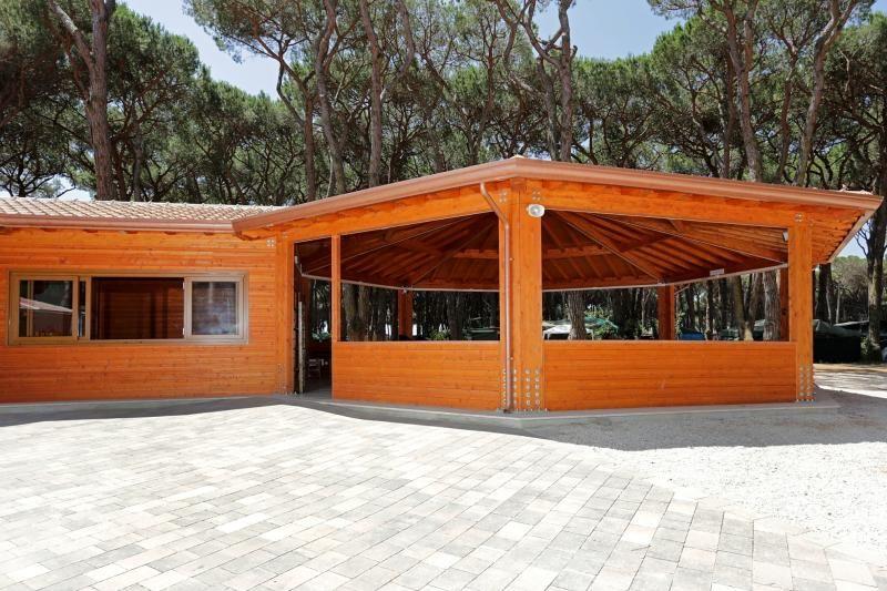 Strutture ricettive (hotel, villaggi) in legno Gruppo Forest Isola Verde Camping