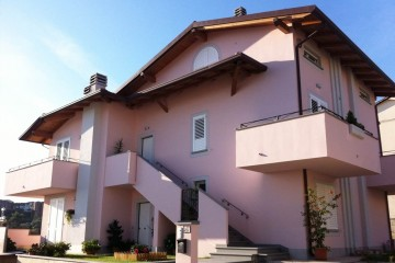 Realizzazione Casa in Legno Casa a tre piani - Lazio di COSTANTINI LEGNO - L.A. COST