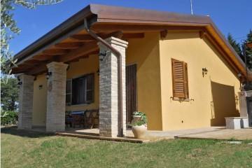 Realizzazione Casa in Legno Spoleto di COSTANTINI LEGNO - L.A. COST