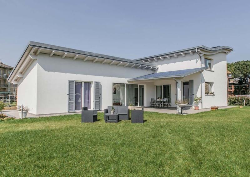 Modelli di case ko23 pineglen for Case legno romania prezzi