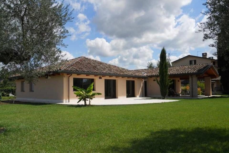 Casa in Legno in stile Classico: Perugia