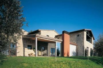 Realizzazione Casa in Legno Assisi di COSTANTINI LEGNO - L.A. COST