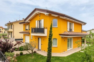 Realizzazione Casa in Legno Umbertide di COSTANTINI LEGNO - L.A. COST