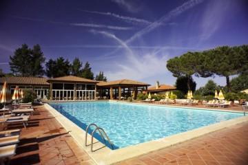Realizzazione Struttura ricettiva (hotel, villaggio) in Legno Golf club Gavorrano di COSTANTINI LEGNO - L.A. COST