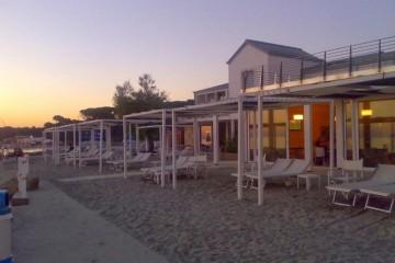 Realizzazione Struttura ricettiva (hotel, villaggio) in Legno Stabilimento Balneare Toscana di COSTANTINI LEGNO - L.A. COST