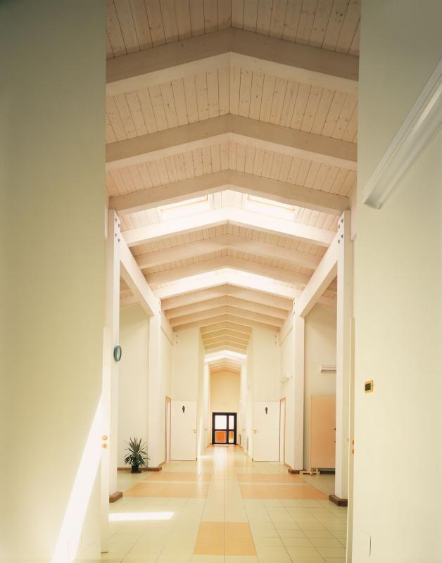 Edifici Pubblici (scuole, chiese) in legno COSTANTINI LEGNO - L.A. COST Scuola di Rotello