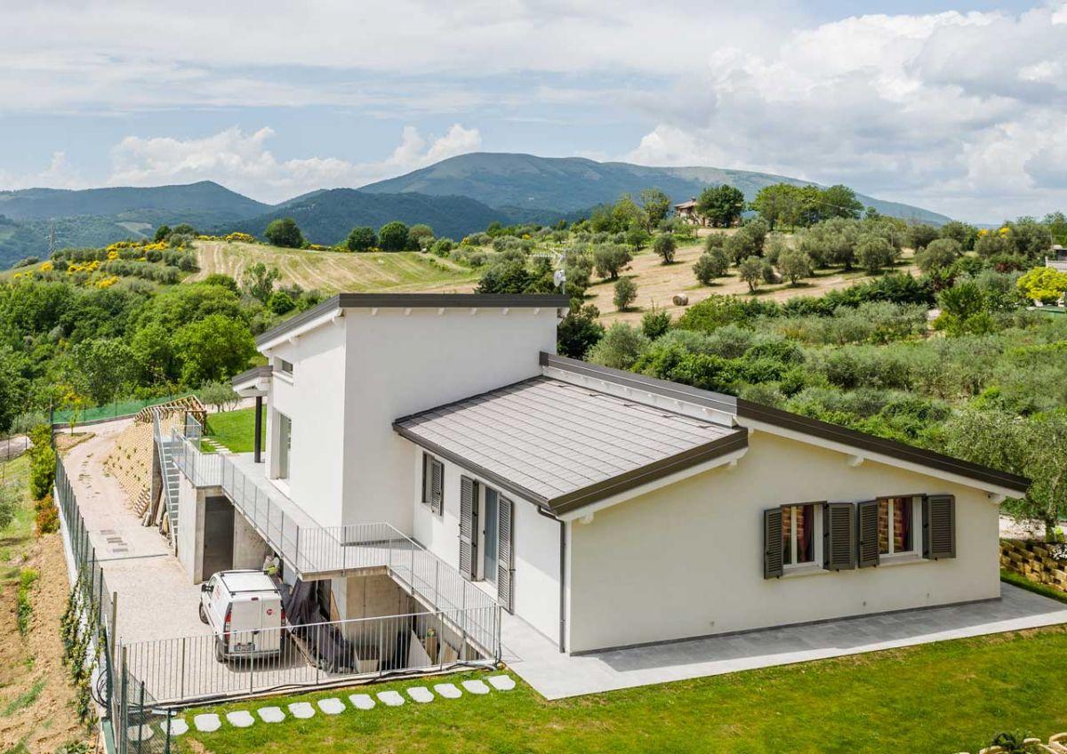 Casa in legno modello casa a un piano gubbio di for Casa con garage indipendente e breezeway