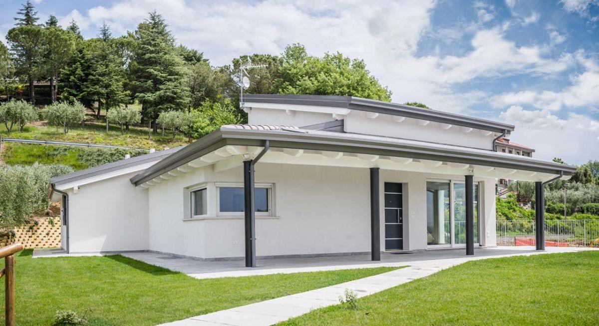 Casa in legno modello casa a un piano gubbio di for Progetti di case moderne a un solo piano