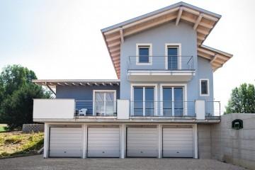 Realizzazione Casa in Legno Casa in legno a due piani a Varese - Daverio di Novellocase Srl