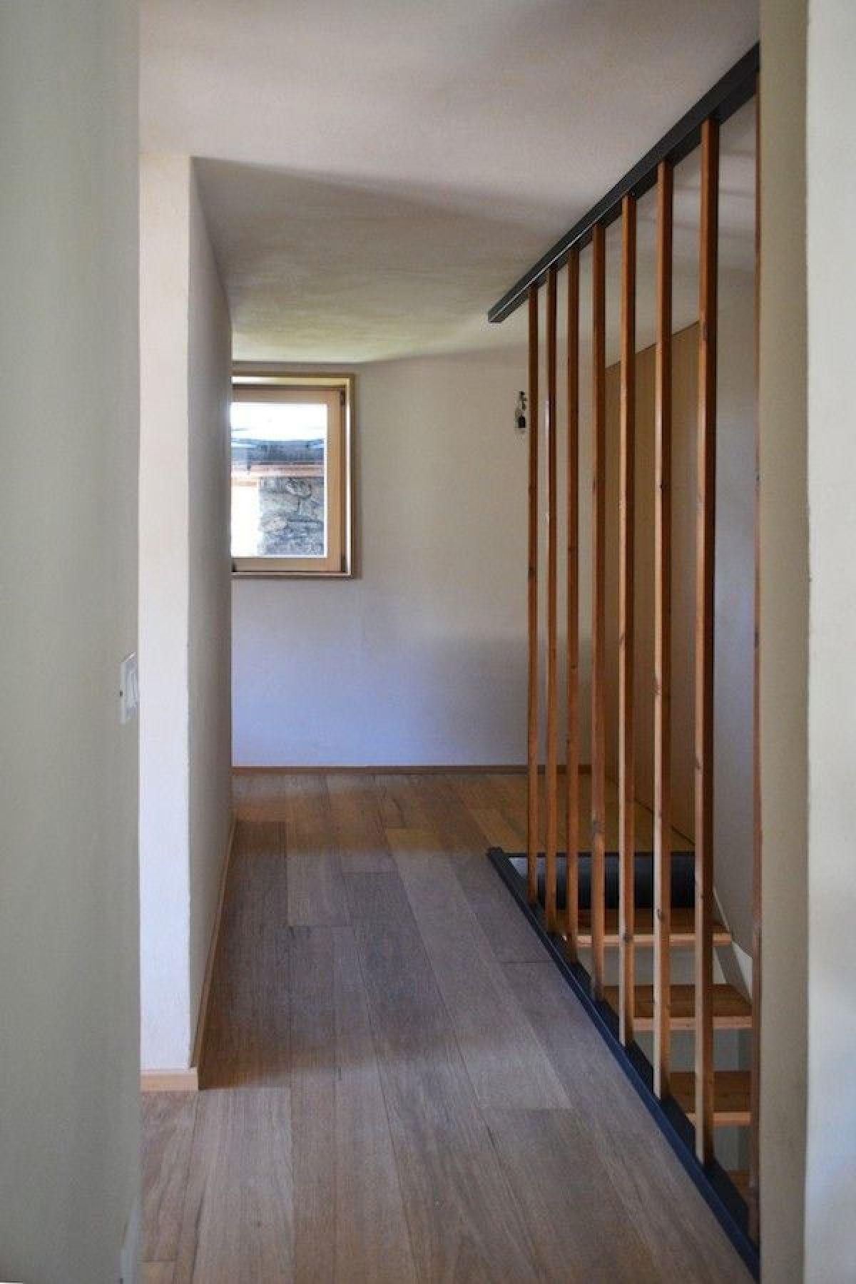 Casa in legno modello casa in paglia senza impianti for Case in legno senza fondamenta