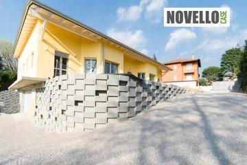 Realizzazione Casa in Legno Casa in legno a Como di Novellocase Srl