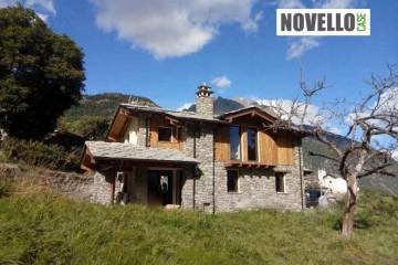 Realizzazione Baita o Chalet in Legno Casa in legno Doues di Novellocase Srl