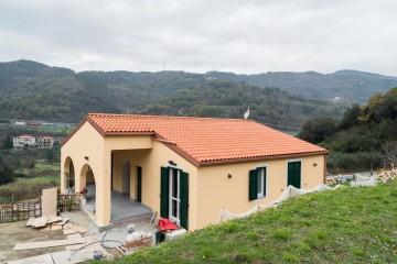 Realizzazione Casa in Legno Orco Feglino (Savona) di Building Evolution