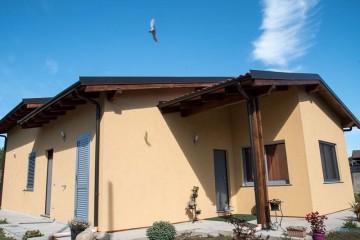 Realizzazione Casa in Legno Vicolungo (Novara) di Building Evolution