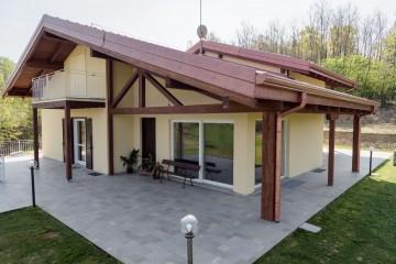 Realizzazione Casa in Legno Frinco (Asti) di Building Evolution