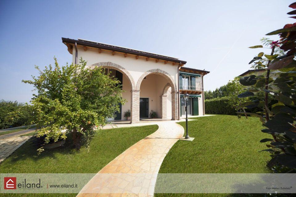 Casa in Legno in stile Classico: Eiland a Selvazzano PD