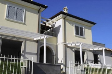 Case in Legno:  Villetta bifamiliare