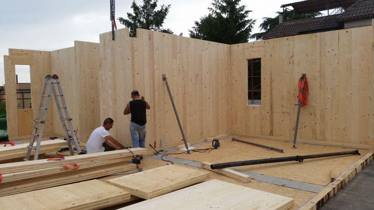 Sopraelevazione in legno modello sopraelevazione roma for Sopraelevazione in legno
