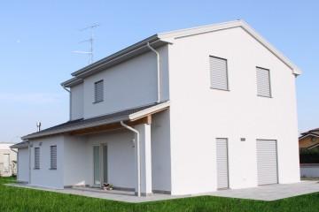 Realizzazione Casa in Legno VILLA IN LEGNO - MANTOVA di CasaAttiva