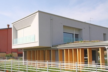 Realizzazione Casa in Legno VILLA IN LEGNO - REGGIO EMILIA di CasaAttiva