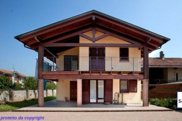 Modello Casa in Legno Casa in bioedilizia costruita su progetto /Cinzano di sangallo srl