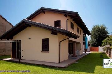 Casa in Legno Casa in bioedilizia costruita su progetto /Cinzano