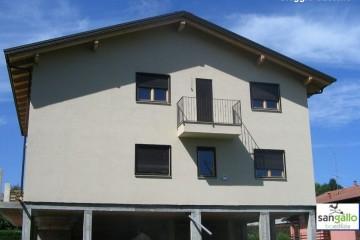 Modello Casa in Legno Casa in bioedilizia costruita su progetto /Oleggio castello di sangallo srl