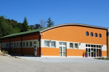 Modello Edificio Pubblico (scuola, chiesa) in Legno Teatro e sala polifunzionale di Subissati srl