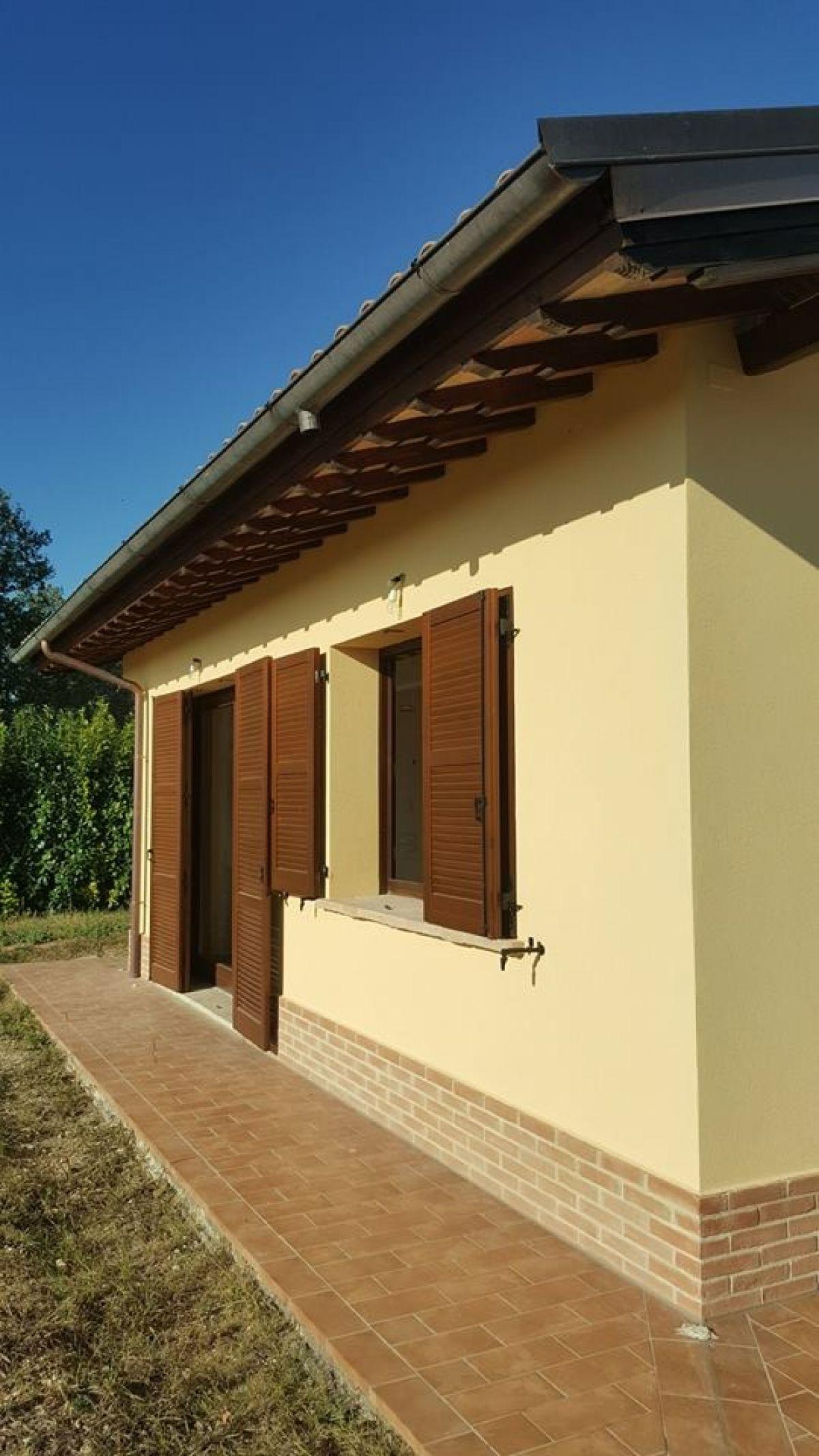 Casa in legno modello villetta da mq 100 in assisi di c e for Case in legno 100 mq