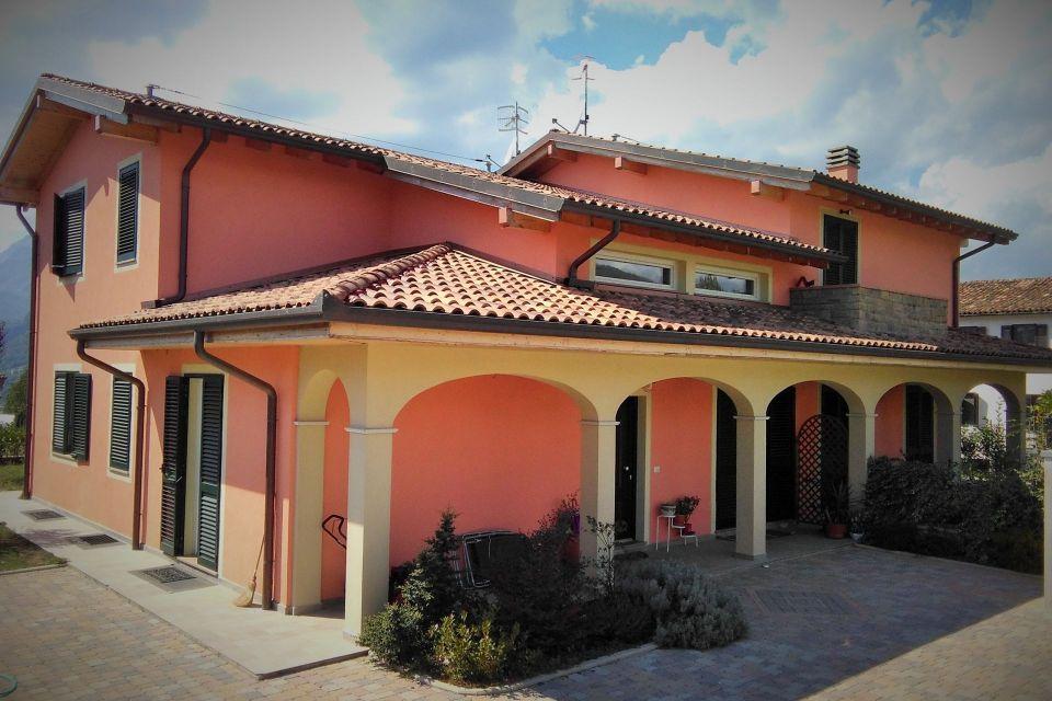 Casa in Legno in stile Classico: Villa Garfagnana