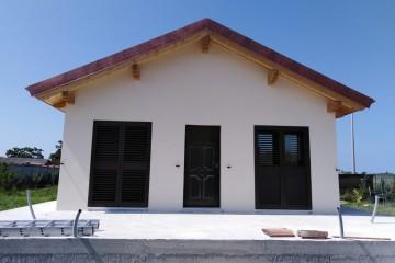 Realizzazione Casa in Legno Casa a Telaio di WOOD HOUSE
