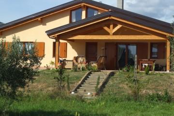 Realizzazione Casa in Legno Abitazione con portico di FBE Woodliving