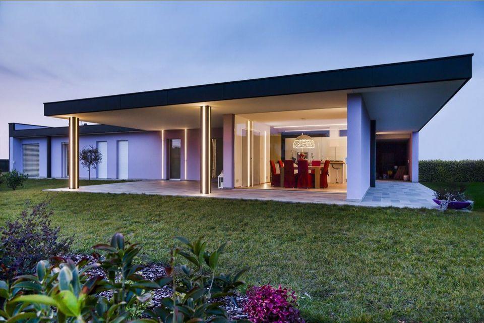Casa in Legno in stile Moderno: Una raffinata villa in legno dalle alte prestazioni energetiche.