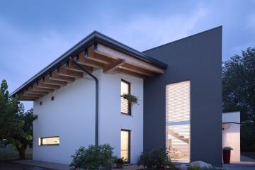 Realizzazione Casa in Legno VILLA OUR TIME: una villa in bioedilizia dalla forte personalità di DomusGaia