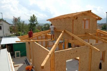 Modello Casa in Legno Ricostruzione Post-Terremoto L'Aquila Villetta Comune di Cansatessa di Angoli Legno &dilizia