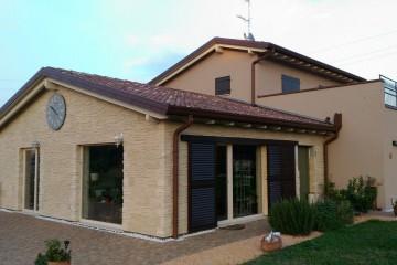Realizzazione Casa in Legno Casa a Calvagese della Riviera (BS) di Villebio di Paganini Danilo