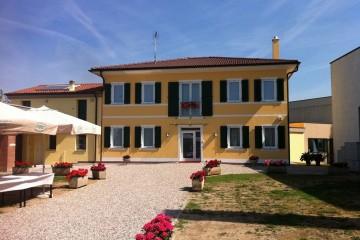 Realizzazione Casa in Legno Linea Architettonica Setros di KAMPA ITA